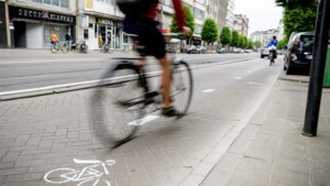 """Antwerpen legt versneld 19 kilometer fietsstraten aan: """"Social distancing vergemakkelijken"""""""