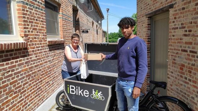 19-jarige Ibra begint eerste Herentalse pakjesdienst met cargofiets