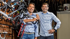 """Philip en Christoph Roodhooft, de broers achter de succesploeg van Mathieu van der Poel: """"Met twee heeft een dag 48 uur"""""""