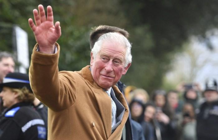 """Prins Charles over zijn zelfisolatie: """"Ik wil mijn familie heel graag een knuffel geven"""""""