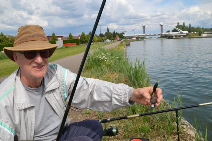 Vissers Albertkanaal ergeren zich aan slijm