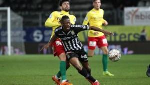 Charleroi-verdediger Nurio Fortuna op weg naar KAA Gent