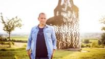 """Karl Vannieuwkerke viert het leven in nieuwe talkshow: """"De kleine geluksmomentjes koesterde ik al vóór de crisis"""""""