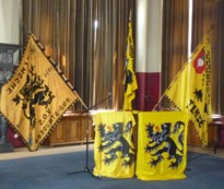 Vlaggen vervangen Vlaams feest