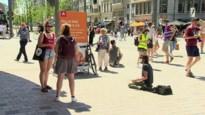 Cultuursector voert actie op Operaplein voor meer steunmaatregelen