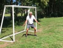 Na vier jaar aandringen staan er twee voetbaldoeltjes op speelwei Moemoe