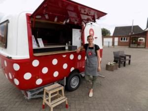 Coronacrisis houdt zaakvoerster 't Vanneke 'thuis': foodtruck serveert ijsjes op vaste locatie