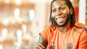 """Mbokani reageert op contractverlenging: """"En nu de beker winnen"""""""