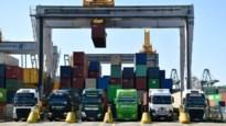 """Tijdsloten om containers te leveren, bezorgen transporteurs kopzorgen: """"Sta hier al 2,5 uur en wachttijd loopt nog op"""""""