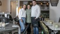 """Hartsvriendinnen toveren paarse lingeriewinkel om tot trendy bistro: """"Bij Zoma serveren we wat we zelf lekker vinden"""""""