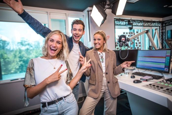 """Beste vriendin Julie Vermeire gaat mee ochtendshow NRJ presenteren: """"Nog niet afgestudeerd en al een job"""""""