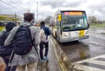 """Beweging.net organiseert eigen mobiliteitsbevraging: """"Niemand vraagt iets aan de mensen die de bus nemen"""""""