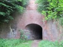 Tunnelwandelingen brengen steenbakkerijen tot leven