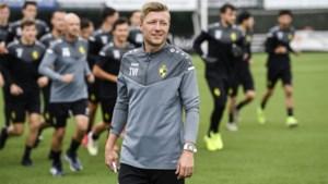 """Coach Van Imschoot leidt eerste training bij het 'nieuwe' Lierse K.: """"Toch 1B? Dat zou een beetje gek zijn"""""""