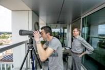"""'Hoog Nivo'-reporter Ivo komt ogen tekort op terras Turnova-toren: """"Die twee bulten daar? Dat zijn de mijnterrils in Beringen"""""""