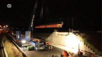 """""""Keerbrug"""" naar Zwijndrecht geïnstalleerd over E17 in Kruibeke"""