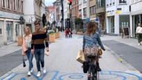 Filerijden in Hoogstraat of flaneren in autoluwe kern: zo bereikt u best het centrum