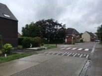 Verkeersdrempel mogelijke oorzaak van barsten in nieuwbouw, gemeentebestuur voert extra controles in