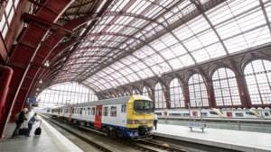 NMBS moet nog langer rondrijden met versleten treinen: nieuwe lopen vertraging op door corona