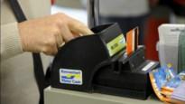 Zussen stelen bankkaart, gaan shoppen en halen cash geld af