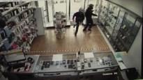 Dieven sluiten winkeleigenaar op en stelen gsm's op klaarlichte dag