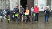 Zes pelgrims zijn op weg met de fiets naar Rome