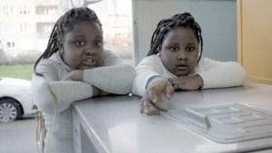 Kapellenaar maakt docu over twee Ghanese meisjes die in armoede opgroeien op Linkeroever