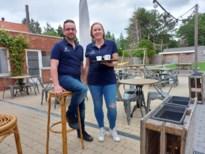 """Jong koppel opent trendy 'gastrobar' in oud dorpscafé in Arendonk: """"Dankzij coronacrisis kan onze droom nu al in vervulling gaan"""""""