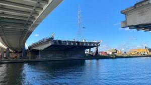 Afbraak Theunisbrug over Albertkanaal in Merksem vlot verlopen