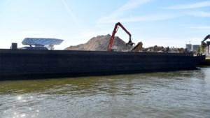 Eerste puin SAMGA-site via het water afgevoerd naar Nederland