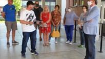 313 handtekeningen tegen ruilwinkel in buurthuis