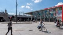Meer bomen en minder auto's op plein achter Centraal Station