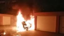 Auto brandt uit in Merksem, kwaad opzet niet uitgesloten