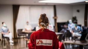 """Artsen Zonder Grenzen deelt schrijnende coronaverhalen uit woonzorgcentra: """"Aan hun lot overgelaten"""""""
