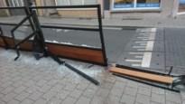 """Zware vrachtwagen ramt opnieuw terras Bar Bob in Kroonstraat: """"Tweede keer in amper een week tijd"""""""