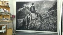 Antwerpse kunstenaar Rinus Van de Velde wil mensen samen brengen met houtskooltekening