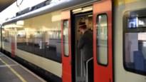 """NMBS zet tijdens verlengd weekend extra treinen in naar kust: """"Als het te druk is, neem je best volgende trein"""""""