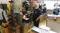 """Schoenmakerij opent pop-up in oude school: """"Techniek van schoenlappen verandert nog altijd"""""""