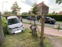Gewonde en verkeershinder na botsing met drie wagens