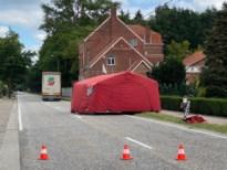 Voetganger kritiek na aanrijding door vrachtwagen