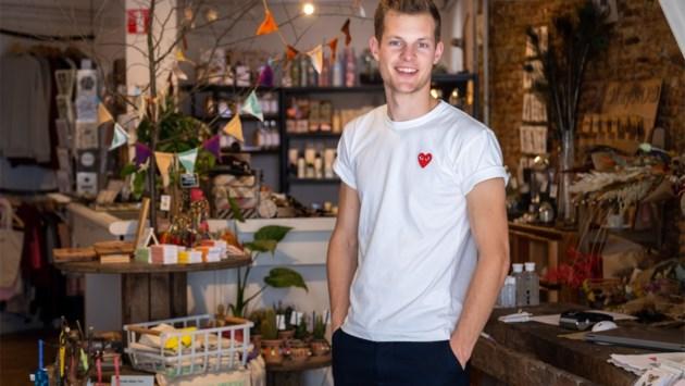 """Jonge Antwerpenaar opent drie winkels in volle coronacrisis: """"Lokale producten verkopen als zoete broodjes"""""""