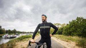 """Op fietstocht met Pieter Embrechts: """"Sinds mijn ongeval sport ik vooral op het gemak"""""""