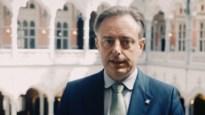 """Burgemeester Bart De Wever spreekt Antwerpenaren toe in filmpje: """"Koop en consumeer in eigen stad"""""""