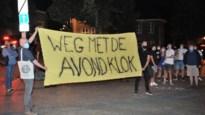 """40 demonstranten voeren actie tegen coronamaatregelen: """"Avondklok gaat veel te ver, dit is ongrondwettelijk"""""""