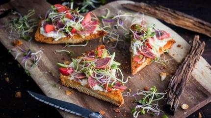 Foodbloggers presenteren hun favoriete zomergerecht: Turks brood met geroosterde varkenswang