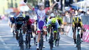 """Wout van Aert tevreden over sprinttest in Milaan-Turijn: """"Ik weet nu dat ik zaterdag geen schrik moet hebben"""""""