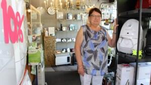 """Els Schelkens sluit elektrozaak na vijftig jaar: """"Ik beschouwde mijn winkel altijd als mijn hobby"""""""
