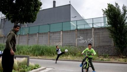 Umicore kuist nu ook voetpaden Moretusburg voor gezondheid van kinderen