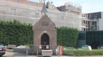 Kapelletje zwaar beschadigd, nadat vrachtwagens verschillende keren muurtje rammen