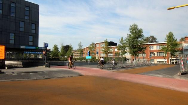 Fietsers uit fietstunnel krijgen voorrang op autoverkeer aan Mortsels Stadsplein
